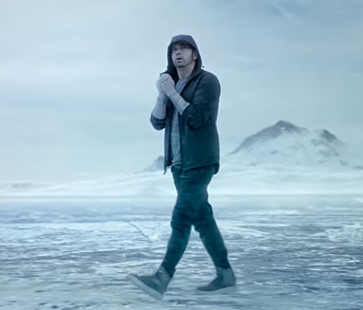 CMTV - Eminem estrena el video Walk On Water