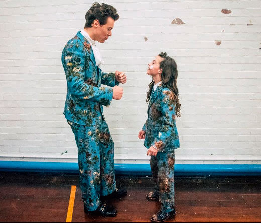 CMTV - Kiwi, el video más rockero de Harry Styles