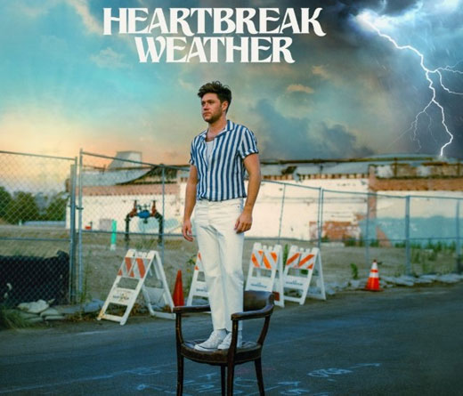 Con el video de Heartbreak Weather, Niall Horan lanza su álbum Heartbreak Weather.