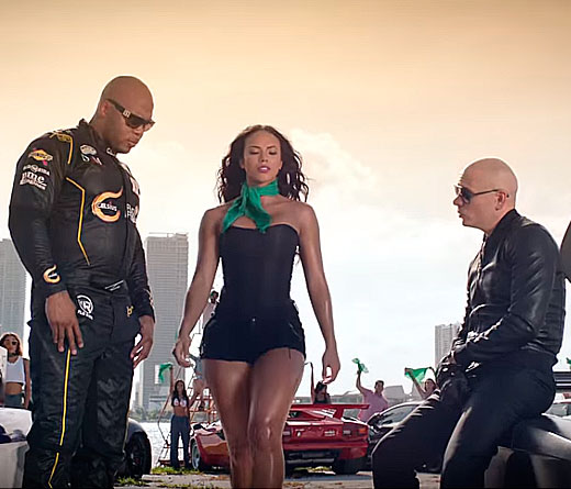 Pitbull - El video de �Green Light�