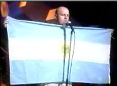 Bersuit Vergarabat video Sr. Cobranza - CM Vivo 2000