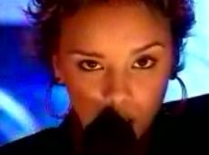 Chenoa video Soy mujer - estudio CM 2004