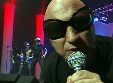 La Mosca video Muchachos, esta noche me emborracho - CM Vivo diciembre 2003