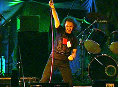 Logos video Arden en el cielo - Chascomús Rock 2006